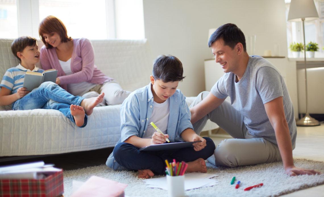 圖說:適時給予自主學習的機會,才能教出快樂又獨立的孩子!(圖/freepik)